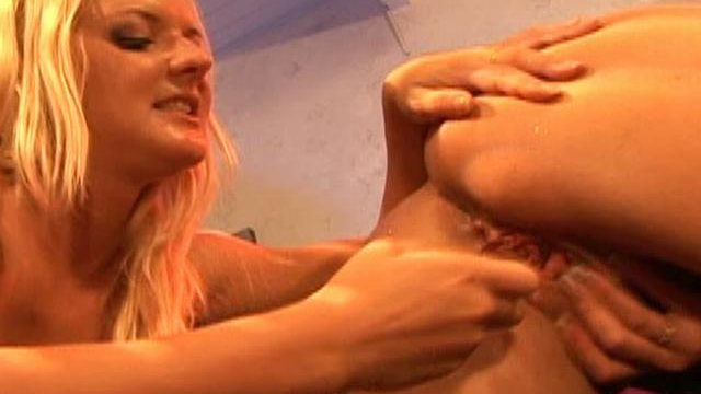 Barbara Summer Time And Crissy Cums Lick Every Different's Bearded Clam