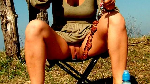 Attractive Brunette Novice Spouse Dasha Flashing Crimson Coin Purse Upskirt And Ingesting Beer At A Picnic