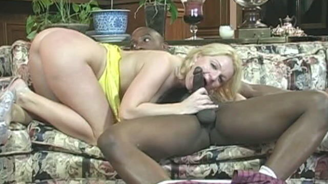 Impossible To Resist Blonde Complain Jessica Sucking And Wanking A Large Black Choad