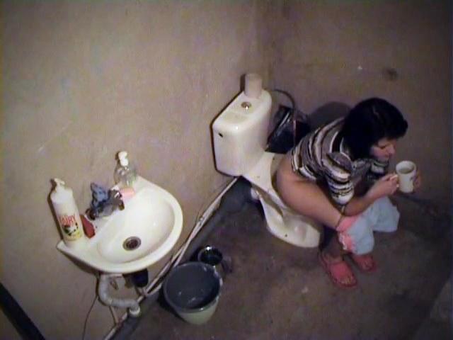 Поход подруг в туалет видео — 15