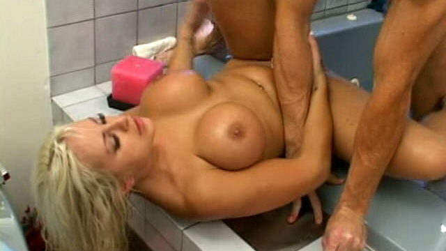 Trashy Platinum Blonde Slut Savanna Gold Will Get Huge Isaac Newtons Screwed In Tub Tube
