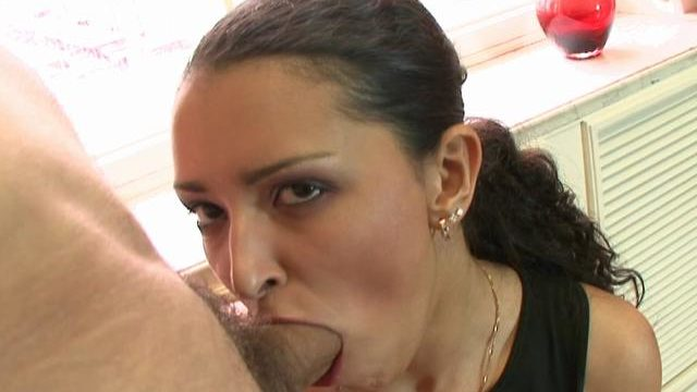 Enrapturing Euro Babe Fellating A Meaty Jizz-shotgun And Getting Romped