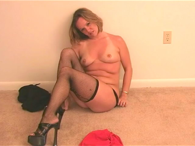 Supreme Blond Wifey Tessa Disrobing Dark-hued Lingeria And Taunting Us Along With Her Stocking