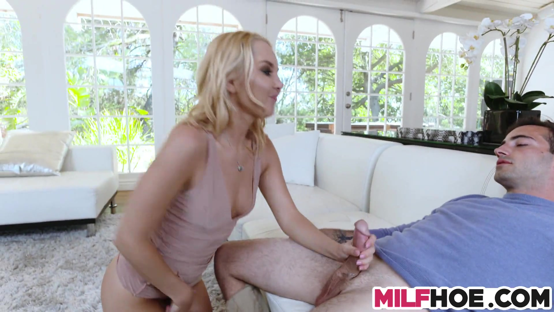 A Sloppy Affair With Wondrous Mummy And Bf