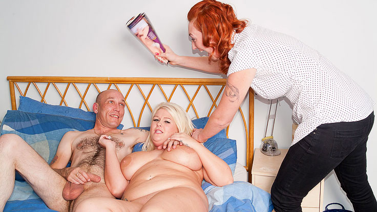 Ginormous Ash-blonde Does Jerking Man