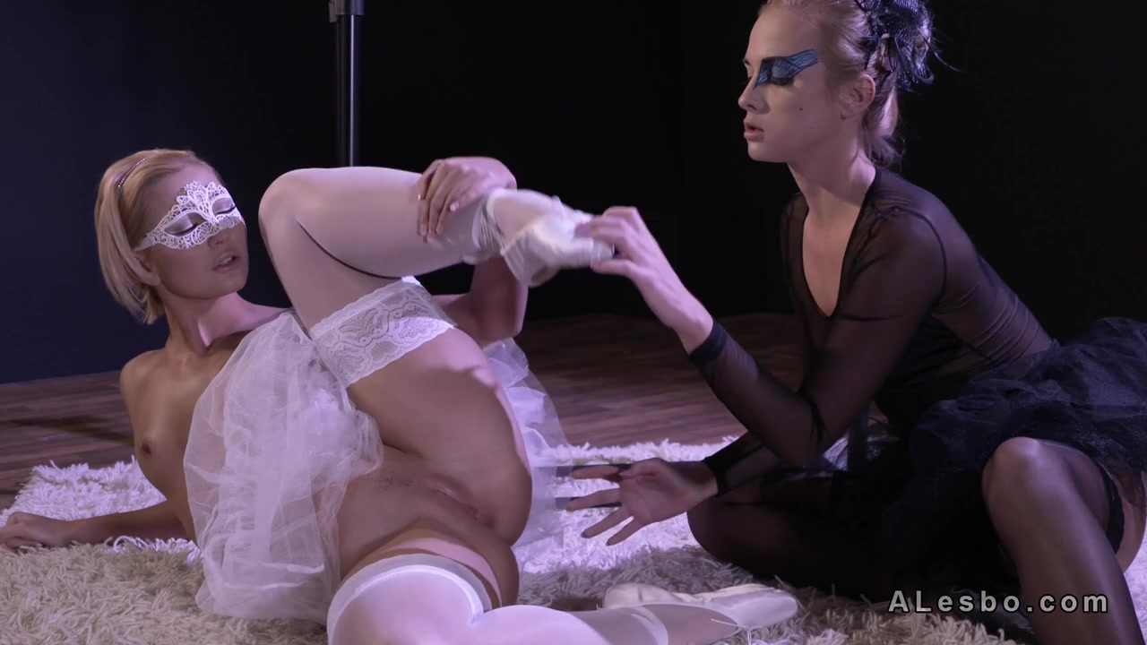 2 Ballerinas Frigging To Climax