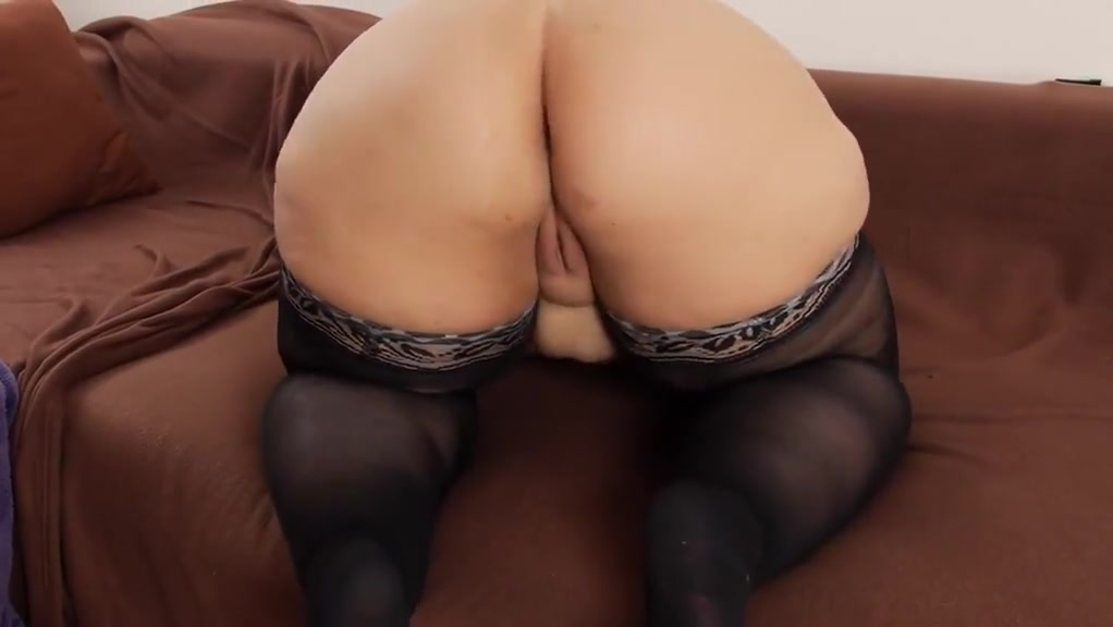 Meaty Labia Ample Butt Plus-size