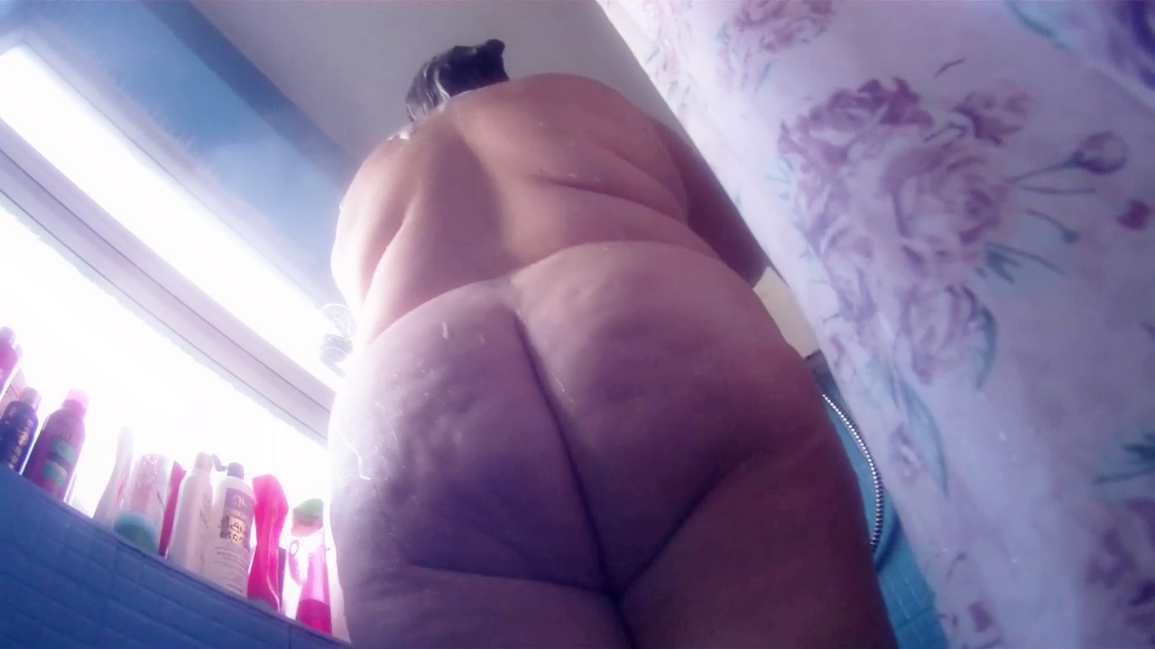 Thick Ass Bbw Spied On Whilst Taking Douche – Compilation