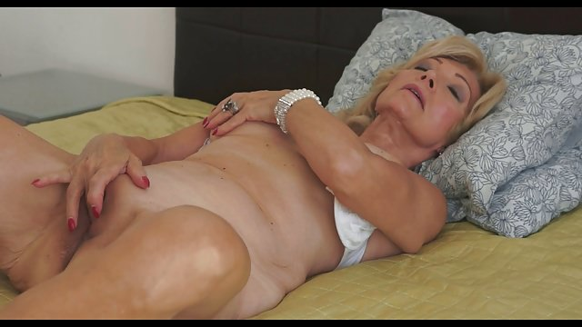 Lusty Grandma 58yrs