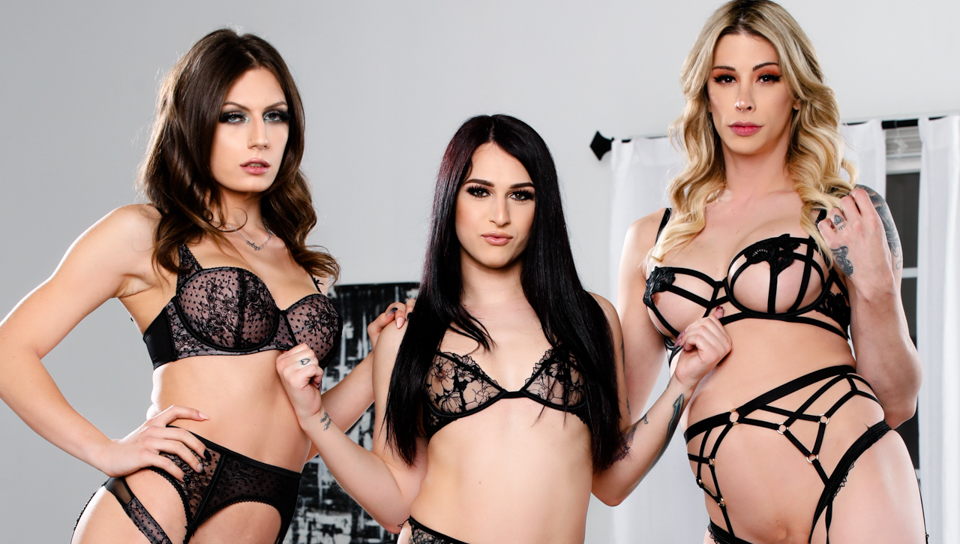 Take A Rail On The Trans Instruct #02 – Casey Smooches,  Khloe Kay & Jade Venus